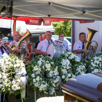 Muzika za sahrane trubači pogrebni orkestar